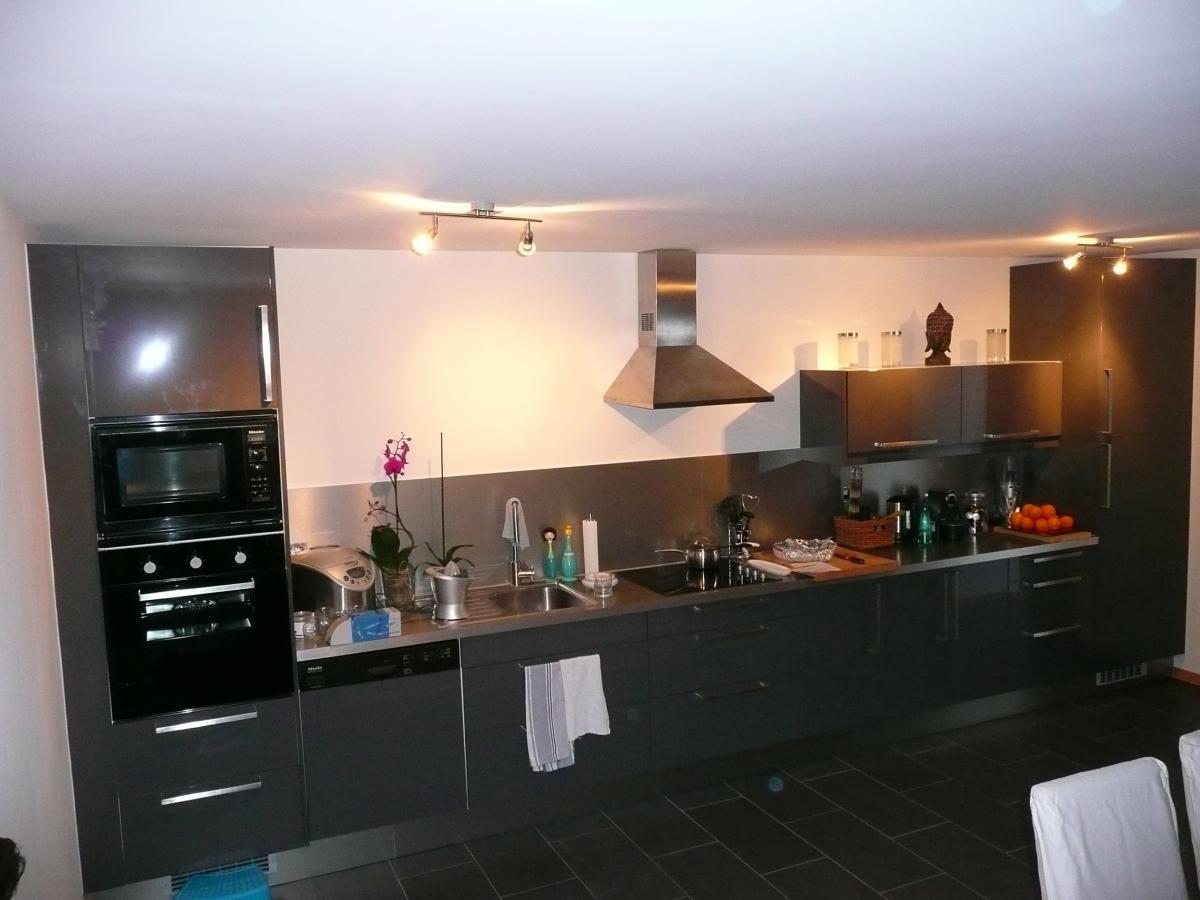 combien coute une cuisine ikea amazing pose cuisine ikea with combien coute la pose d une. Black Bedroom Furniture Sets. Home Design Ideas