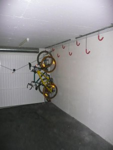 Insatllation porte vélos de garage
