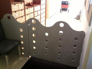 Portail de sécurité personnalisé dans une crèche